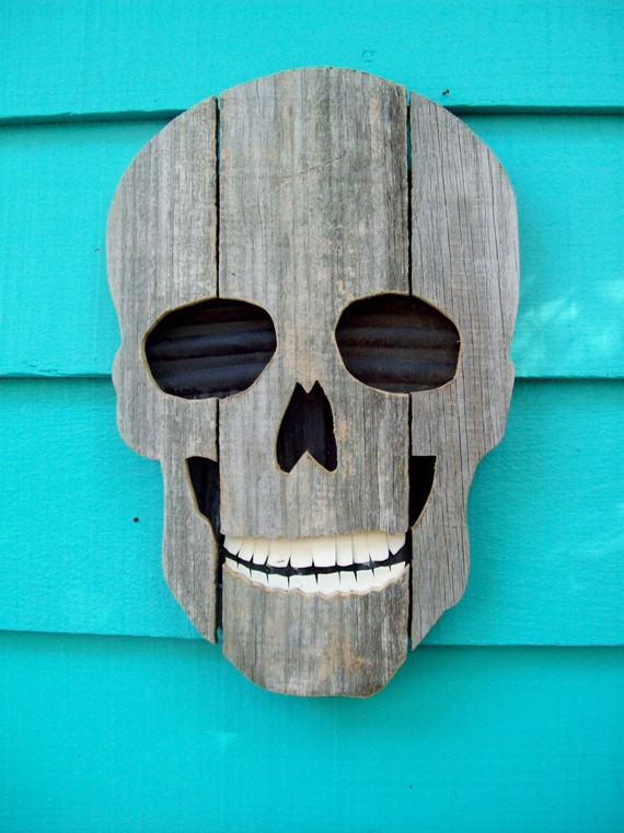 skull - Recycled Halloween Decorations